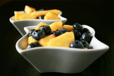 Post image for Barefoot Bakers: Peach & Blueberry Crumble