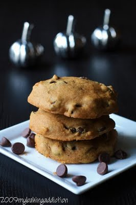 Post image for Pumpkin Chocolate Chip Cookies