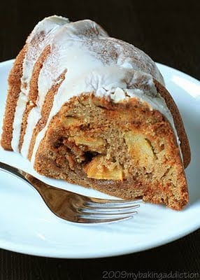 Post image for Apple Cinnamon Chip Bundt Cake