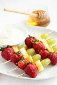 Fruit-and-Cheese-Skewers2-1-of-1