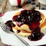 Blueberry-Sauce-on-Pancakes-1-of-11