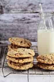 Toffee-Almond-Cookies