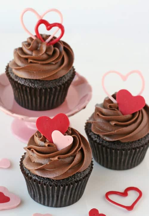 How to Make Heart Accents for Cupcakes