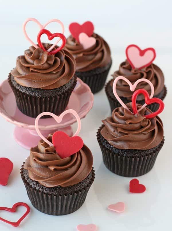 Post image for How to Make Heart Accents for Cupcakes