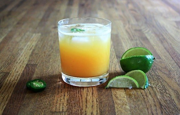 Post image for Fresh Peach Jalapeño Margarita
