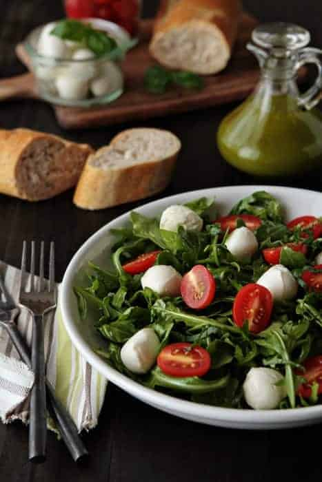 Post image for Tomato and Mozzarella Salad with Basil Vinaigrette