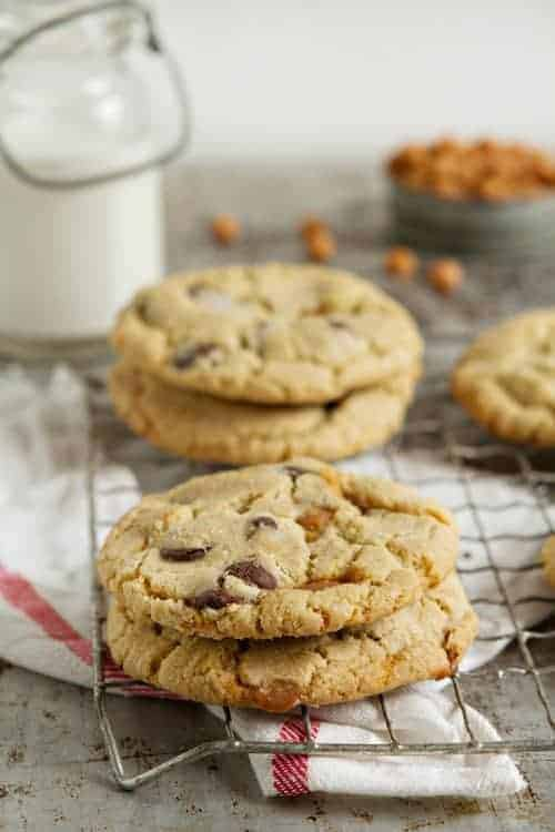 Salted Caramel Chocolate Chip Cookies Photo from mybakingaddiction.com
