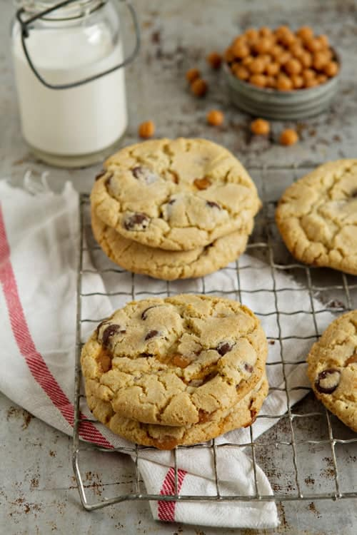 Salted Caramel Chocolate Chip Cookies from mybakingaddiction.com