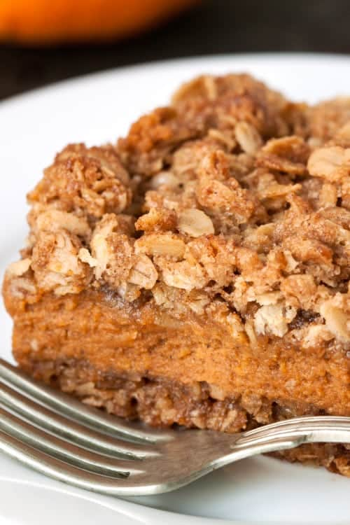 Pumpkin Pie Streusel Bars on MyBakingAddiction.com