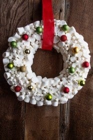 MarshmallowWreathwithOrnaments