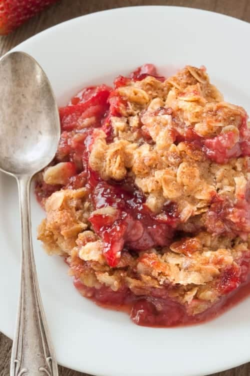 gluten-free-strawberry-rhubarb-crumble-2