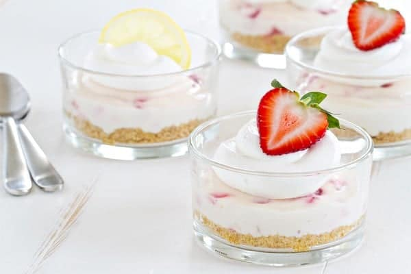No Bake Strawberry Lemonade Cheesecake is exactly the dessert you want for summer entertaining. Totally impressive!