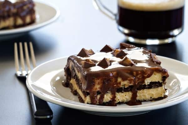 Peanut butter cup eclair cake is no-bake, make-ahead, and freezable. That there's peanut butter is just a bonus, really.