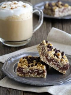 No Bake Chocolate Peanut Butter Oatmeal Bars are sweet and chewy. A great after school (or anytime!) snack.