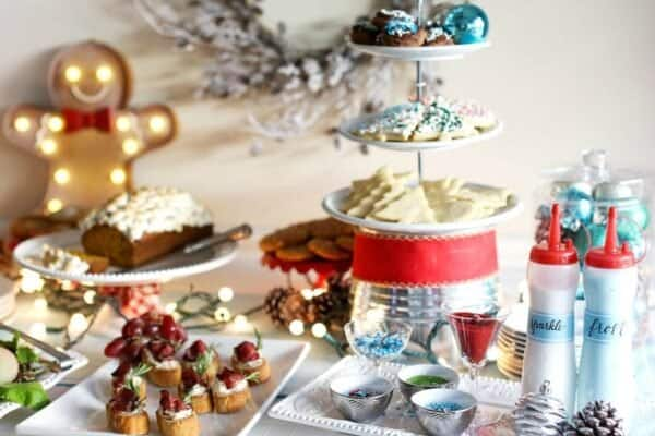 Tips and tricks for hosting a DIY Cookie Decoration Station! Get ready to have a blast!