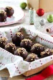 Turtle Cookies Balls are super easy and delicious. A must for your cookie baking this holiday.