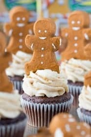 Cupcakes-with-Peeps-Gingerbread-men