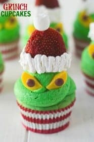 grinch-cupcakes-picture-584x876