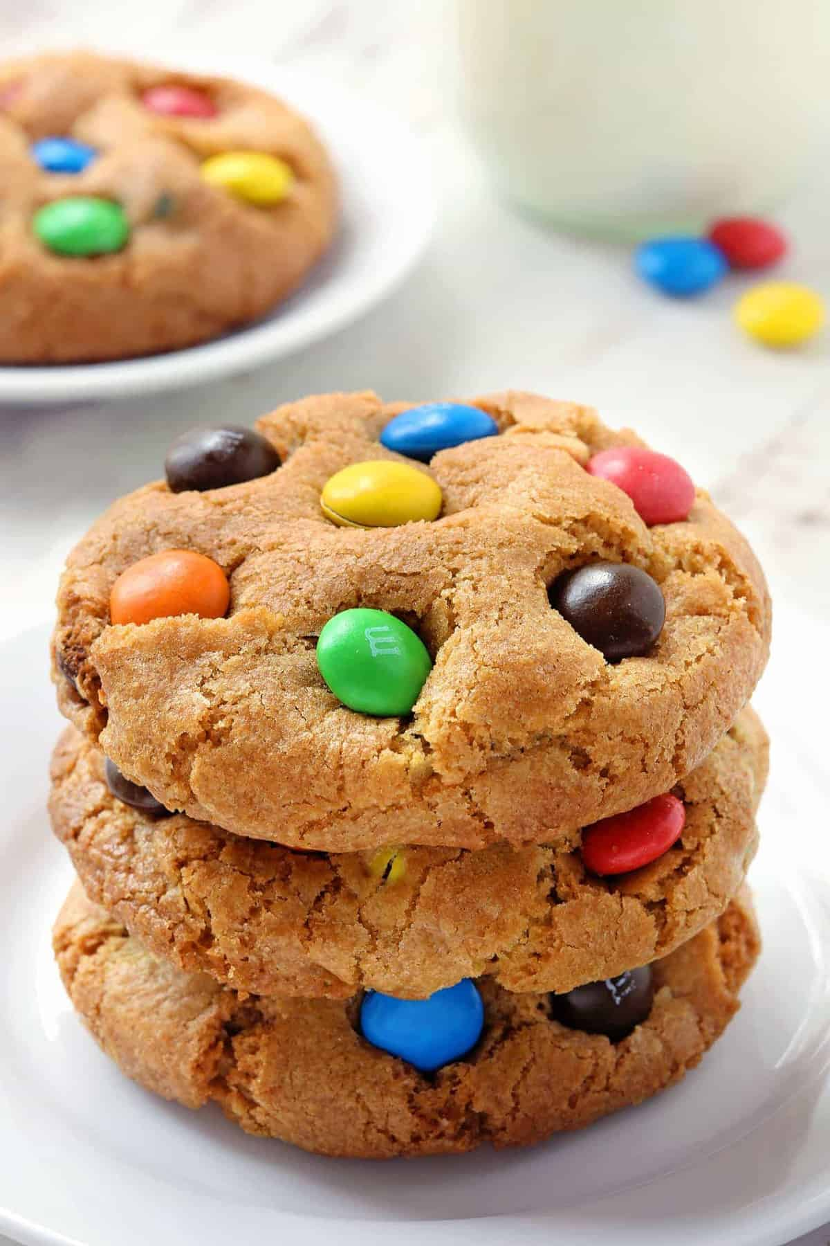 I M A Girl 5 Most Famous Teen Celebrities: M&M Cookies
