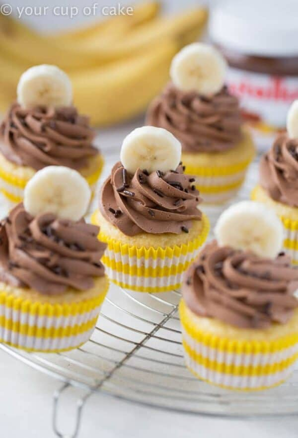 Banana Nutella Cupcakes would be perfect for your next party. Adults and kids will go crazy for them!