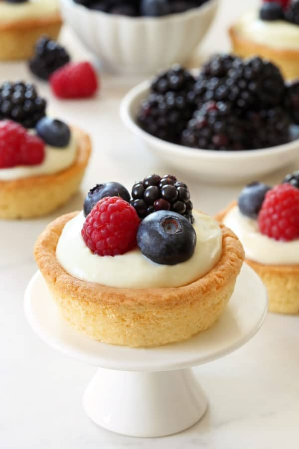 Berry Cookie Cups combine sweet sugar cookies and white chocolate ...