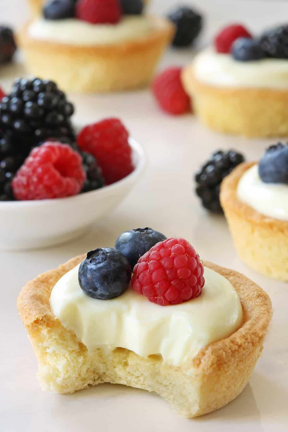 Berry Cookie Cups have a sweet cookie crust and delicious white ...