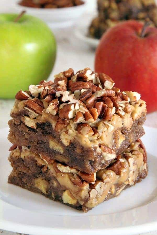 Caramel apple blondies with an easy caramel frosting and topped with pecans for a delicious fall treat. With a gluten-free option.
