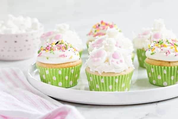 Bunny Butt Cupcakes are the perfect dessert for your Easter brunch. So incredibly cute!