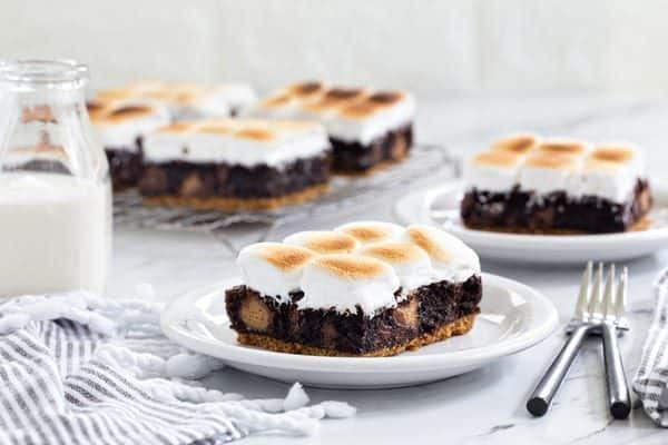 Peanut Butter Cup S'mores Brownies will easily be your new favorite dessert. Easy and absolutely delicious!