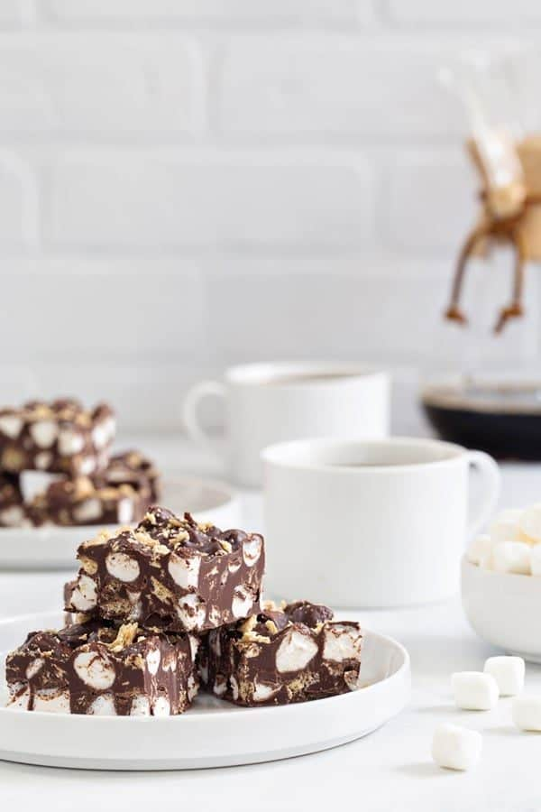 Nutella S'mores Fudge is simple to make and delicious to eat. What's not to love about fluffy marshmallows, crispy graham crackers, and chocolate?