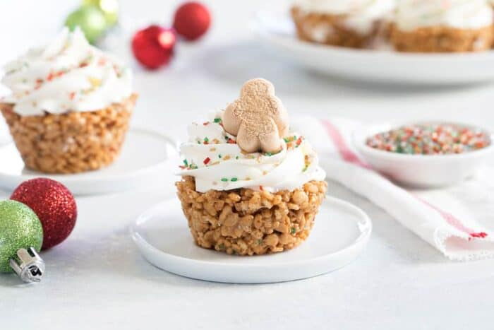 Gingerbread Marshmallow Treat Cupcakes are an adorable and delicious addition to any holiday dessert plate! Easy, fun and festive!