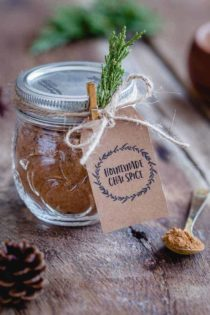 This homemade Chai Spice Blend is the perfect warm and cozy spice mixture for the holiday season. Add a cute tag, twine and little greenery for a super simple hostess gift!