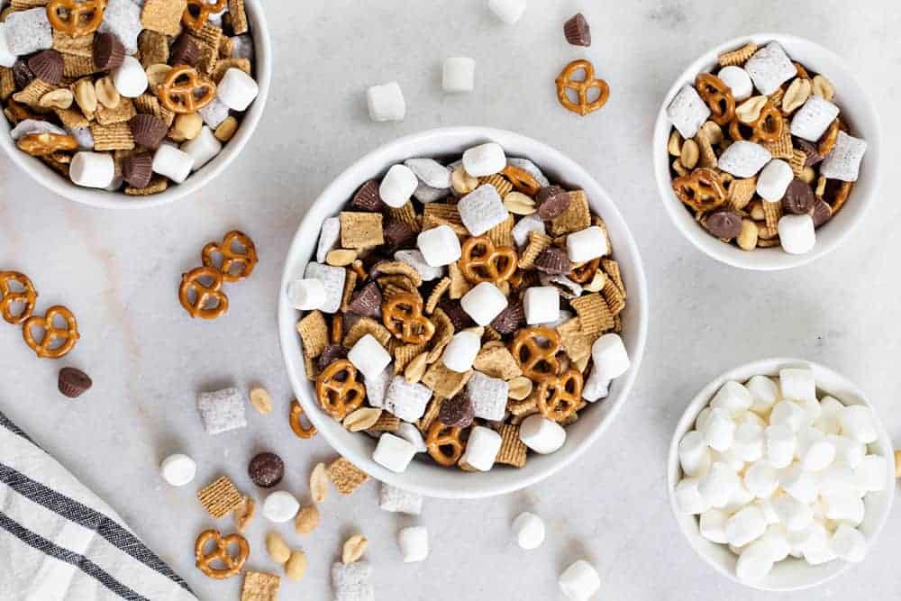 S'mores Snack Mix is sweet, salty and perfectly crunch! Basically a peanut butter and s'more lovers dream come true!