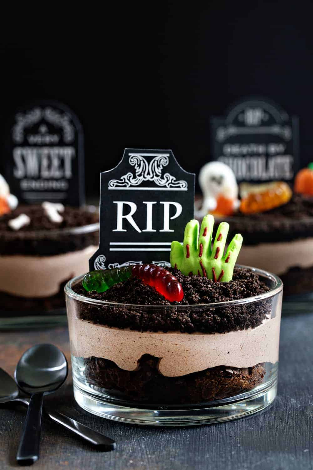 Brownie Dirt Pudding cups are a cute and slightly creepy treat for Halloween! Fun and delicious!