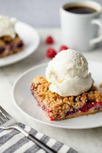 Berry Crumble Bars are an easy spring dessert, perfect for entertaining!