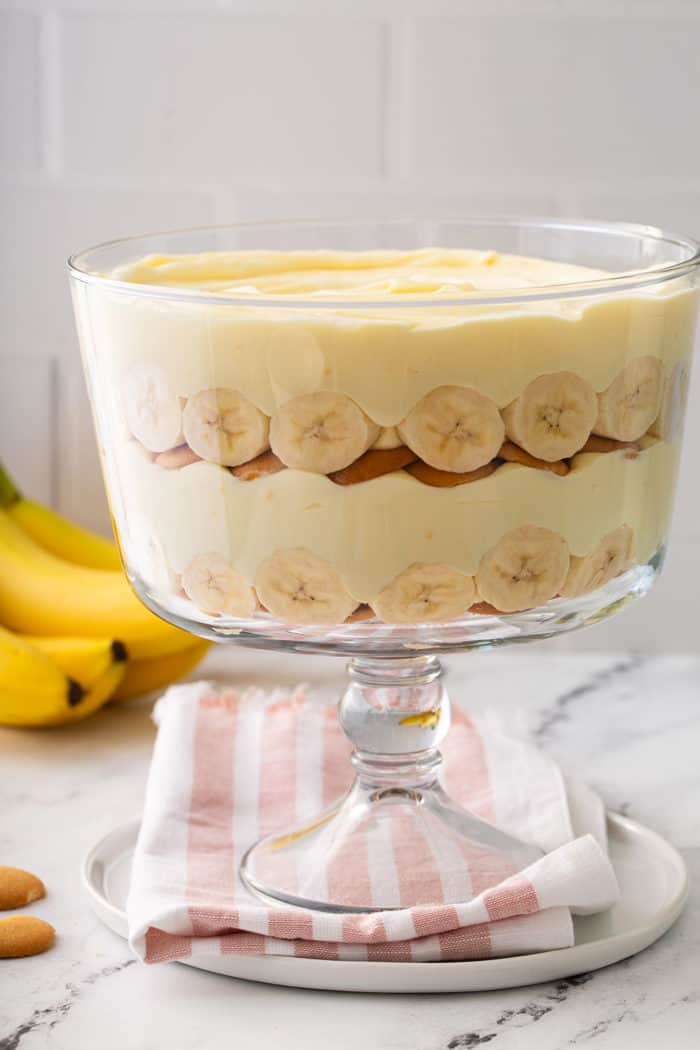 Side view of two layers of banana pudding in a trifle dish