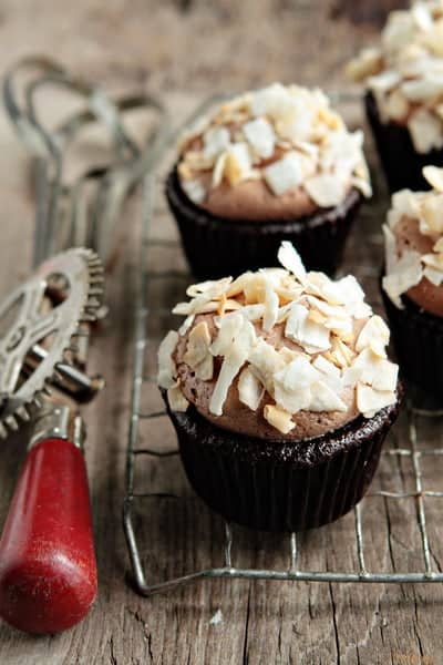 Post image for Coconut-Mocha Cupcakes