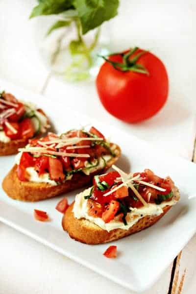 Roasted Garlic and Tomato Bruschetta | My Baking Addiction