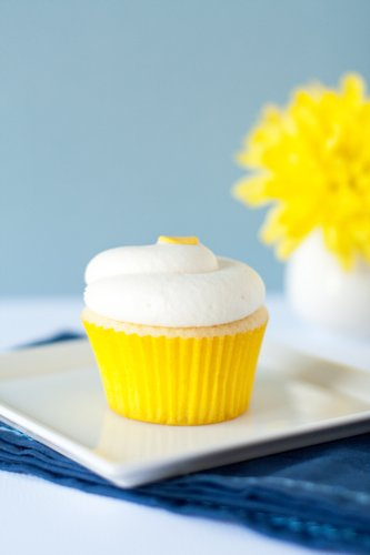 Lemon Cupcakes with Lemon Cream Cheese Frosting | My Baking Addiction