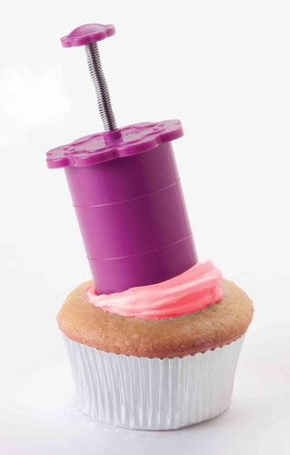 Post image for Giveaway: Chicago Metallic Cupcake Baking Set