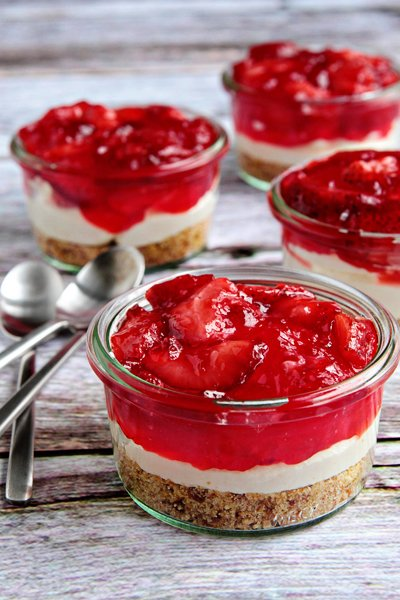 Post image for Strawberry Pretzel Salad
