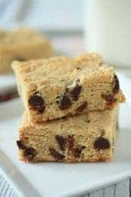 Walnut-Chocolate-Blondies